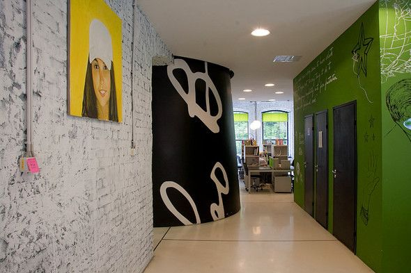 leo burnett office moscow. Come Into My Lair // Leo Burnett Moscow Office
