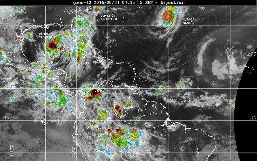ATLÁNTICO TROPICAL; MAR CARIBE; GOLFO DE MÉXICO. Imagen satelital del GOES 13 de NOAA. Procesada y suministrada por el Servicio Meteorológico Nacional Argentino corresponde a las 04:15 UTC hora Internacional (23:15 hora local de México).