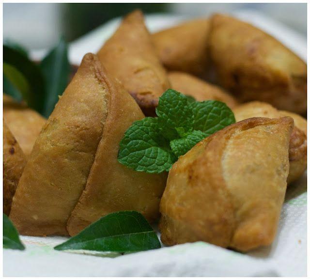 Indonesian Medan Food: Samosa