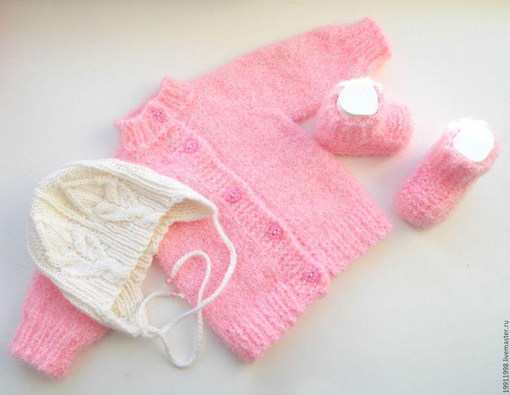Купить Комплект Нежность розового - однотонный, шапочка вязаная, Кофточка вязаная, пинетки для новорожденных