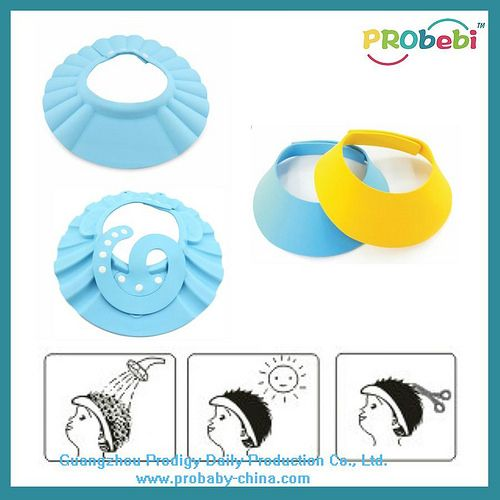 How to protect your child's eyes in bath? See this illustrate picture, 3 types of baby shampoo cap & the use guides in shower, hair cut, strong sunshine block. #BabySafety | www.probaby-china... | Producer: Guangzhou Prodigy Daily-Production Co., Ltd.