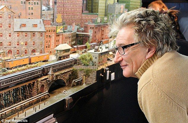 Rod Stewart reveals he books second hotel room for his model ...