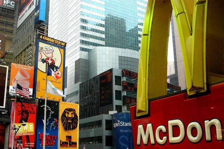 https://www.spfranquicias.com/ranking-de-las-franquicias-mas-rentables-de-espana/ Ranking de las Franquicias más rentables de España. The Good Burger, Granier, Equivalenza, DIA. En el mundo McDonald's, Subway KFC, Burger King y Pizza Hut.