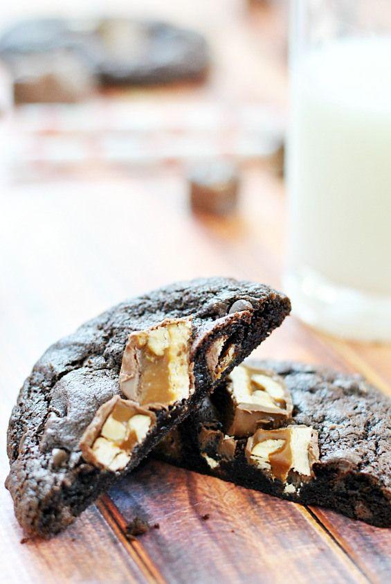 Snickers Brownie Cookies | www.somethingswanky.com