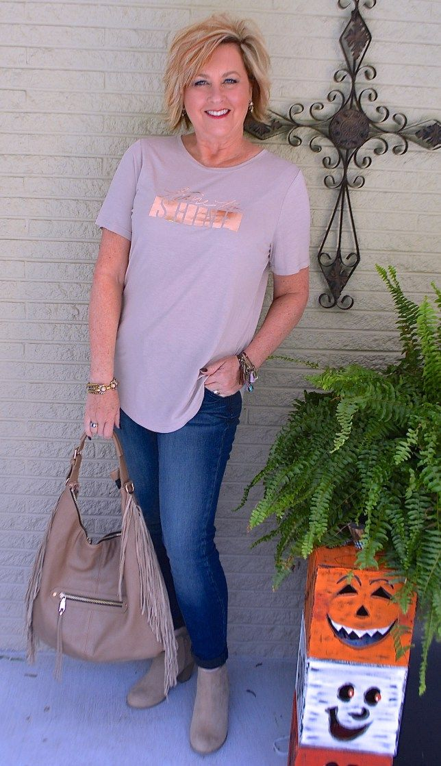 50 IS NOT OLD   TIME TO SHINE   Comfortable   T-Shirt + Skinny Jeans   Casual   Fringe   Fashion over 40 for the everyday woman #rodanandfields