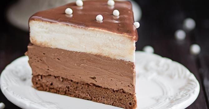 Recette de Entremet allégé à la mousse aux chocolats Kinder®. Facile et rapide à réaliser, goûteuse et diététique.
