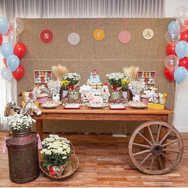 Festa Fazendinha fofa! Adoro esse estilo de mesa. Por @anapaulalimafestas  #kikidsparty