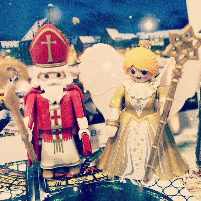 #playmobil #stnicolas #christkind #플레이모빌 #플모 #성니콜라스 #크리스트킨트 플레이모빌 시리즈 3. 크리스마스 마켓 출신 성니콜라스와 크리스트킨트. 장식해두니 벌써 크리스마스 분위기 물씬~