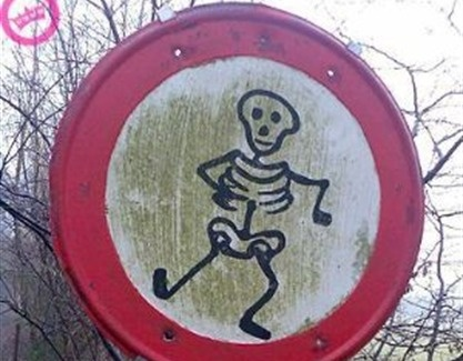 Scheletro Skeleton sign #halloween