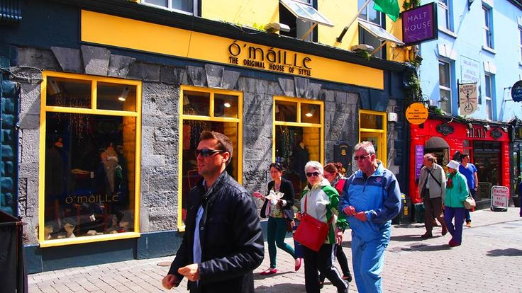 Ó'Máille's sell Aran Hand Knit Sweaters from its Traditional Irish Store in Galway. Our Irish knitwear, Yarn, Handmade Irish Products & Clothing are unique.