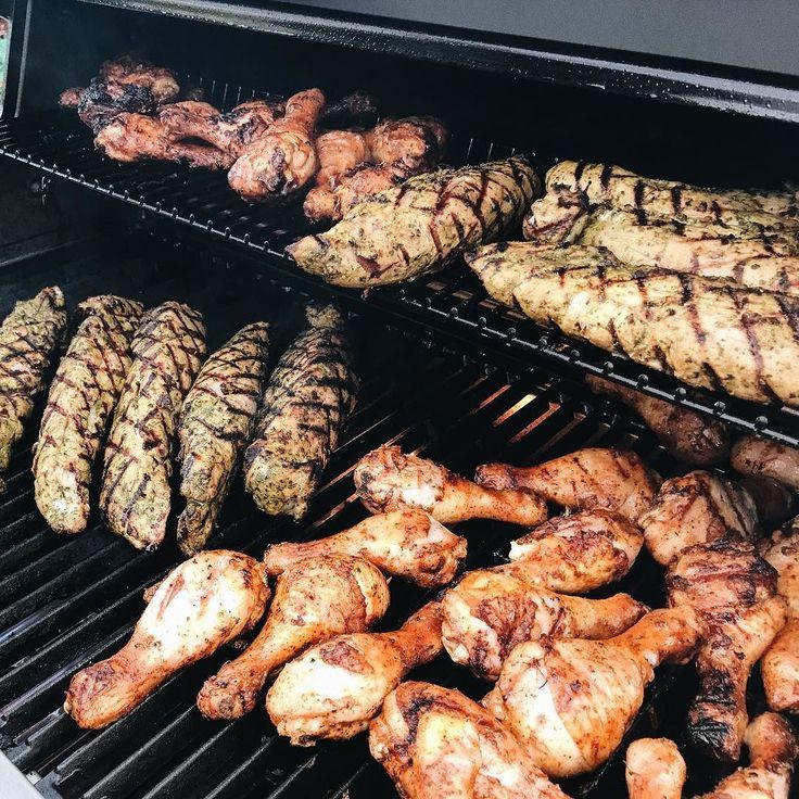 Cozy ktoś grilluje dziś dla większej grupy?  #grillgazowy #grill #broilking #broilkingpolska #smacznego #grillujemy #grillparty #bbq #gasgrill