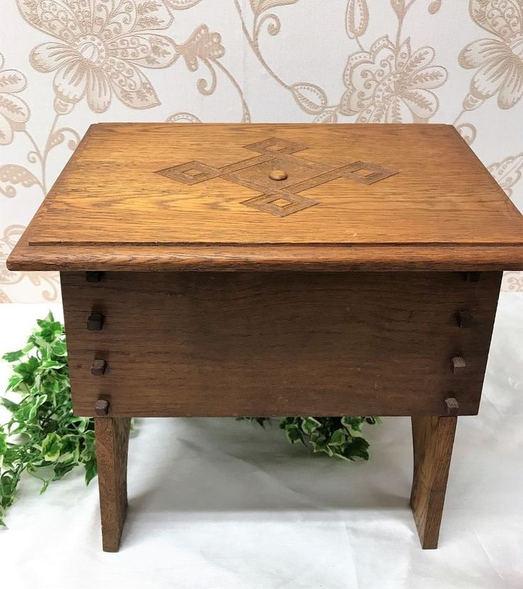 Vintage Arts & Crafts Oak Sewing Box / Crafts Storage Box With Hinged Lid + Feet