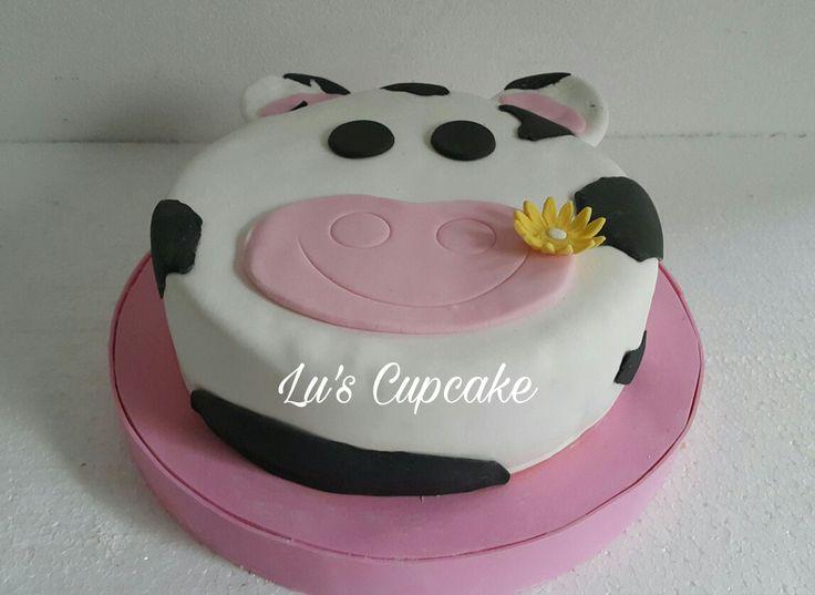 Torta vaca, bizcochuelo de vainilla con doble relleno de dulce de leche  Seguime en fb: lucrecupcake