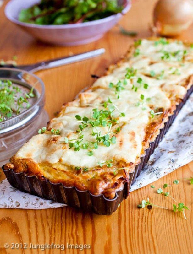Kaas uien quiche met uien langzaam gegaard in bier
