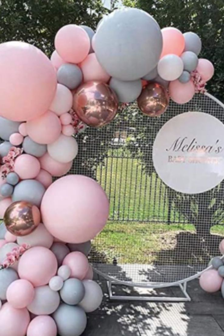 Click for your own EASY DIY Balloon Garland kit everything you need and FREE video and picture instructions! #balloongarland #balloonarch #balloonmosaic #balloonwall
