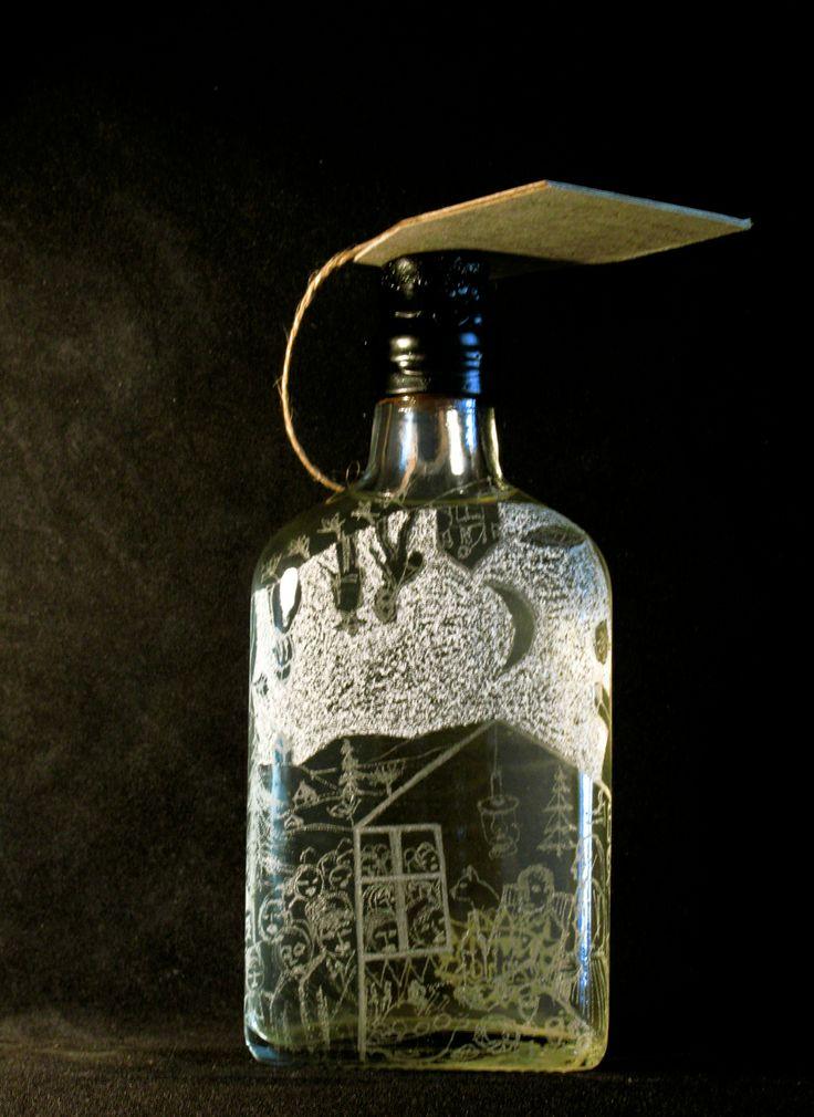 Sticla gravata umpluta cu horinca de mere, facuta de Nechita Valer.