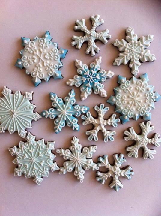 Gorgeous snowflake Christmas cookies
