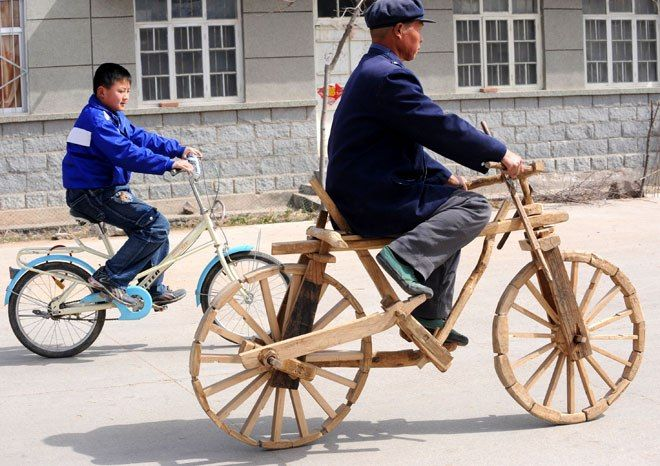 Bicycle entirely made of wood, with power on the back wheel without using a chain. China.