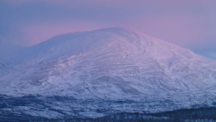 La luce del giorno durante la notte polare - The blue daylight during the winter  night (Aldo Antonicelli, Abisko)