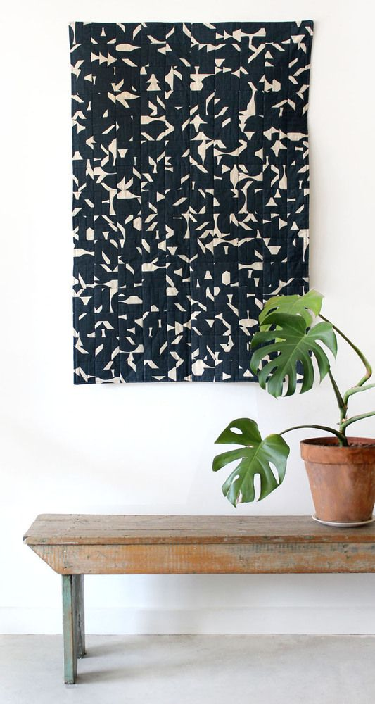I am in love... umbrella prints quilt in smokey black hearts. Image of Mosaic Kit in Smokey Black Grand Hearts
