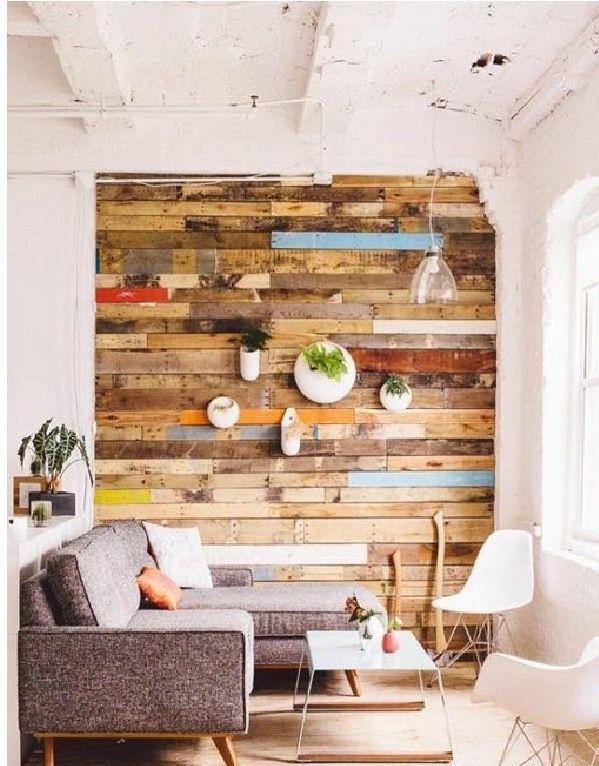 pared cubierta con tablas de madera