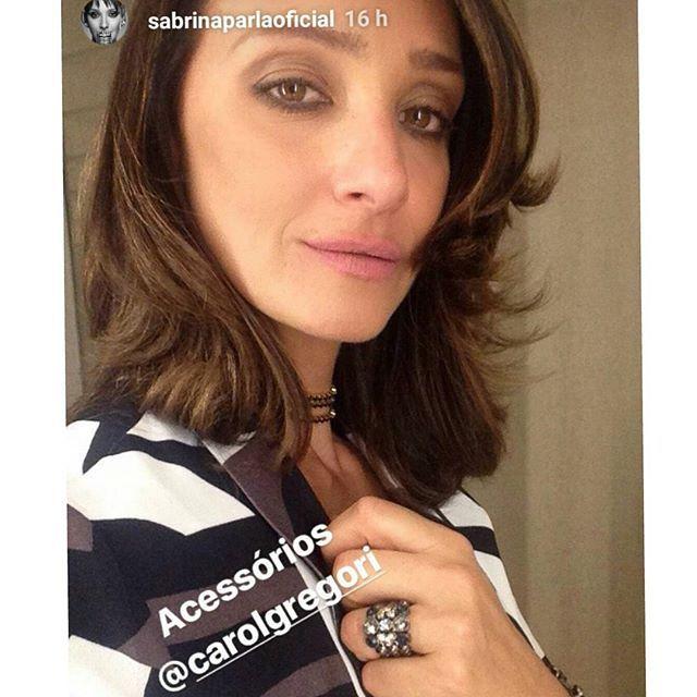 E hoje nosso final de tarde fica mais especial com esta foto da Sabrina Parlatore @sabrinaparlaoficial toda de @carolgregori. Você está linda Sá, e desejamos toda sorte do mundo no novo programa Pop Star! ❤😘🙏👏🎙 #elausacarolgregori #anel #pulseira #brilho #estilo #chique #moda #cantora #popstar #shine #ring #bracelet #exclusive #handmade #chic #style #singer #instalook #ootd #instalike #instamood