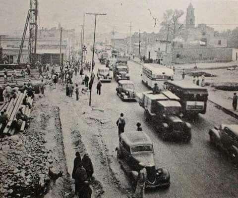 Foto de 1935, Calzada Nonoalco en su cruce con Insurgentes, se aprecia a la izquierda la construcción del puente en lo que hoy es Flores Magon!!!