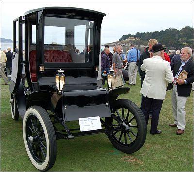 https://i.pinimg.com/736x/53/37/83/53378385955b8c610d56d04608699420--antique-cars-vintage-cars.jpg