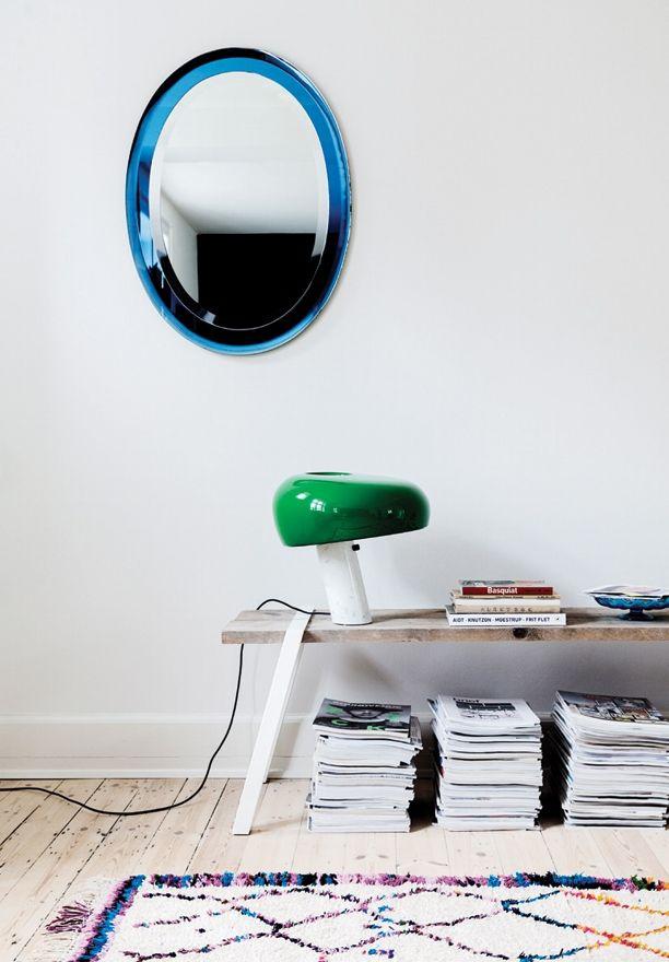 Find the Snoopy lamp at DesignLighting's webshop: https://luksuslamper.dk/shop/flos-snoopy-bordlampe-5551p.html