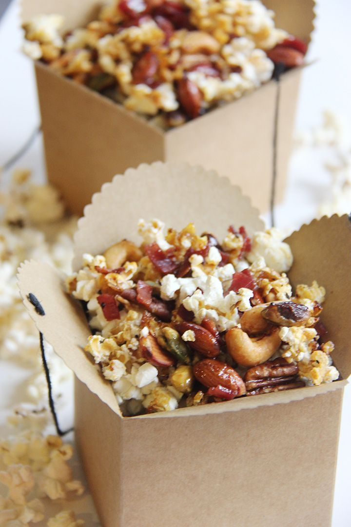 BACON & MIXED NUTS CARAMEL CORN | The recipe was adapted from Bon Appetit, and the original recipe only use cashews; however to make it more fun and festive for the holidays, I decided to add other nuts in it.