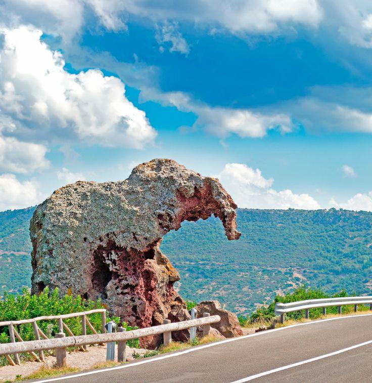 Een rots in de vorm van een olifant op Sardinië