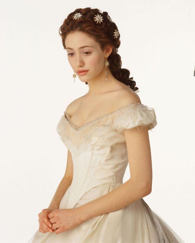 "Christine Daae Dressing Gown: Christine_Daae, Think Of Me"" Dress. Love The Star Hair"