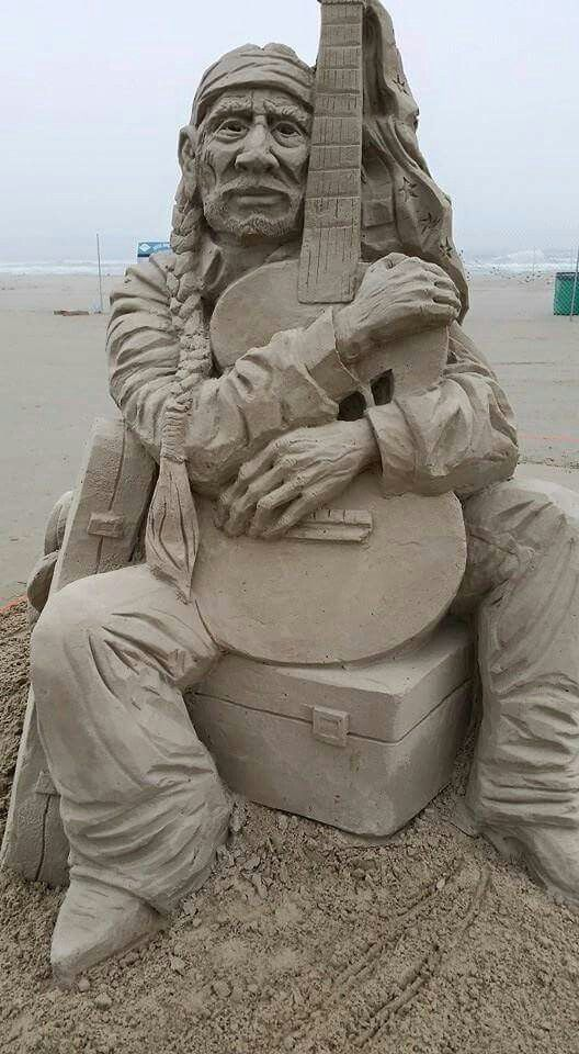 Willie Nelson...Sand sculpture.... @ivannairem .. https://tr.pinterest.com/ivannairem/sculptures/