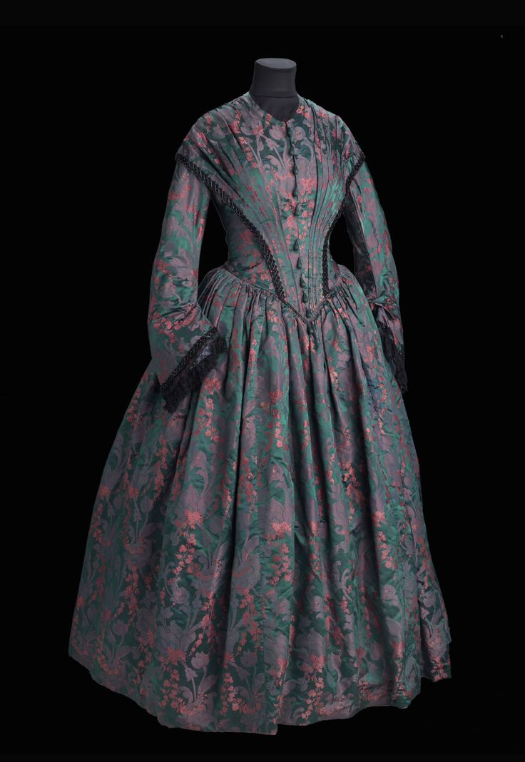 "Dress ca. 1846-49 From the exhibition ""A Century of Style: Costume and Colour 1800-1899″ at Glasgow Museums"