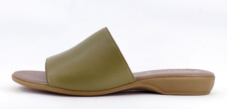 Froggie Khaki Handmade Genuine Leather Slip on Sandal. R 749. Handcrafted in Durban, South Africa. Code: 11199.371.581 See online shopping for sizes. Shop online South Africa https://www.thewhatnotshoes.co.za Free delivery within South Africa.