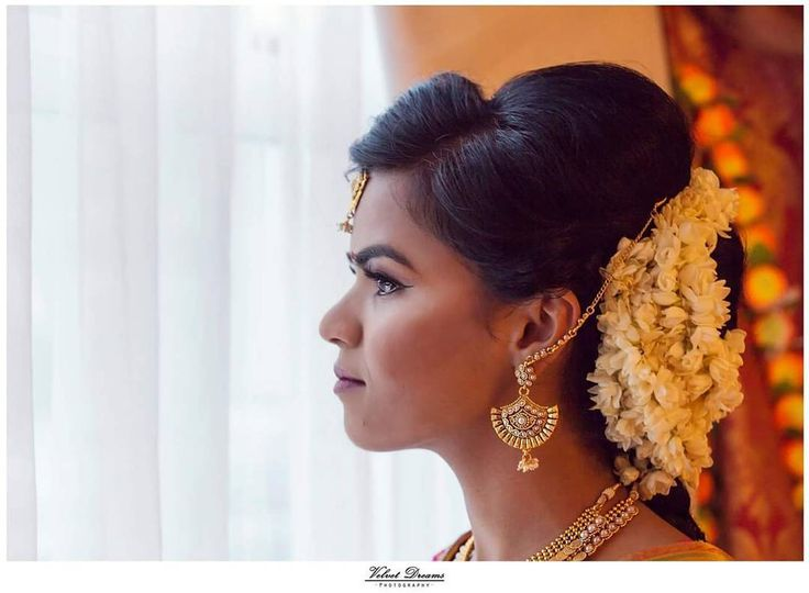 A bridal portrait of this gorgeous bride!  Mua: @beautybyanuja