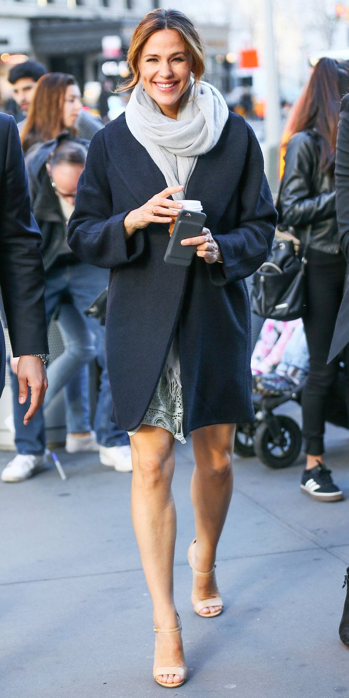 Jennifer Garner is an expert when it comes to chic street style.