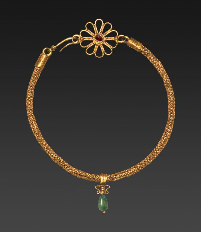 Roman  Necklace with Pendant, 3rd century A.D.  Gold, garnet, and emerald L. 35.6 cm (14 in.) (with clasp); pendant: h. 3.1 cm (1 1/4 in.)