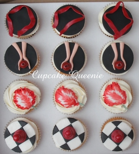 Twilight series cupcakes, top view by Cupcake Queenie, via Flickr