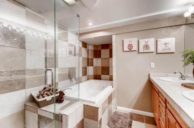 8596 W 66th Pl Arvada Co 80004 4 Beds 3 Baths Bath Remodel Kitchen And Bath Arvada