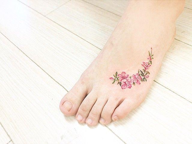 Tatuajes Elegantes, Pequeños Tatuajes, Vestidos, Tatuajes Ofrenda, Flores, Querer Hacer, Cosas, Jardín More, Pequeños Milagros