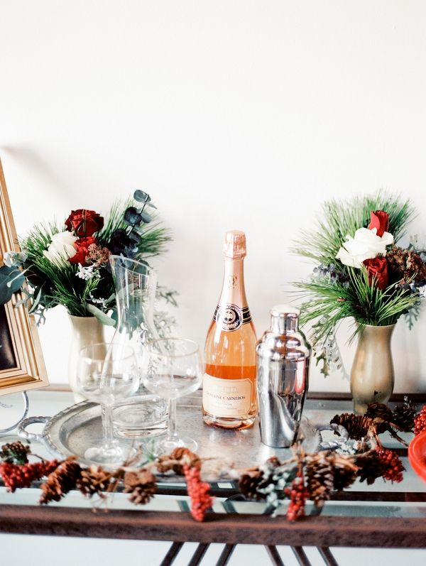 Christmas Wedding Bar Cart Decor Inspiration | Peaches & Twine Photography on @loveincmag via @aislesociety