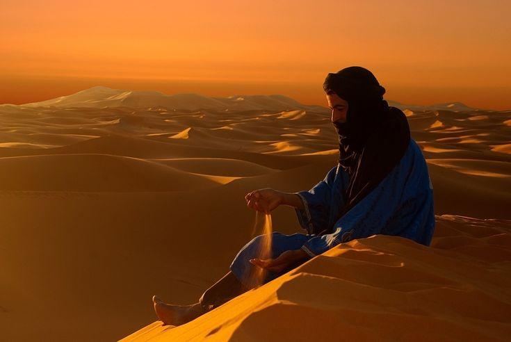 Auguri a tutti!!! Alba nel deserto  * di Clara Costa