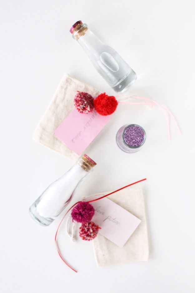 sugarandcloth Valentine Bookmarks irgamag.com DIY Ideas Compilation 51