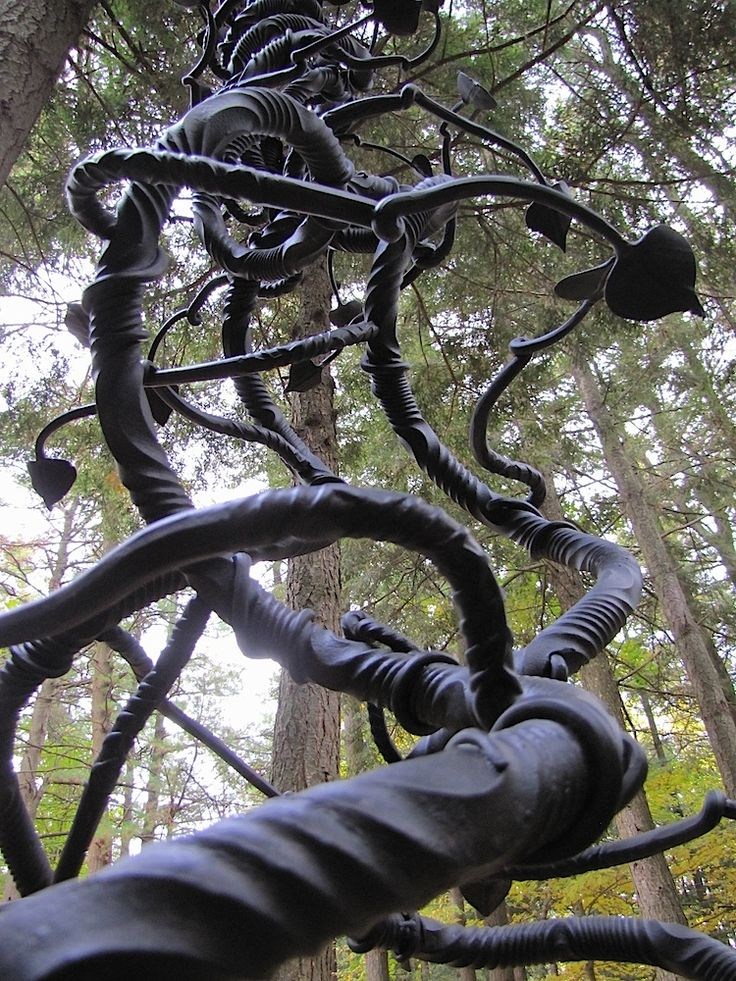 Vine Sculpture Mark Puigmarti This Would Be Cool