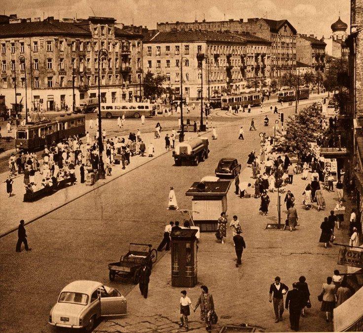Targowa i Ząbkowska.  https://web.facebook.com/TargowekHistoria/photos/a.109845325825633.16889.108978119245687/974089852734505/?type=3&theater