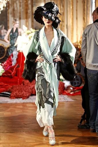 John Galliano Fall 2011 Ready-to-Wear Fashion Show