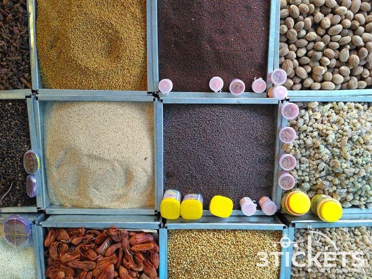 Пряная Индия: топ-10 популярных специй и приправ местной кухни http://3-tickets.ru/trip/india/spices.html  Индийская кухня пользуется очень большой популярностью практически вовсех странах мира. Вэтом нет ничего удивительного, так как индийские блюда отличаются особенным, ниначто непохожим вкусом. Одной изотличительных черт индийской кухни являются приправы, которые способны украсить собой вкус практически любого блюда. Индийские пряности…