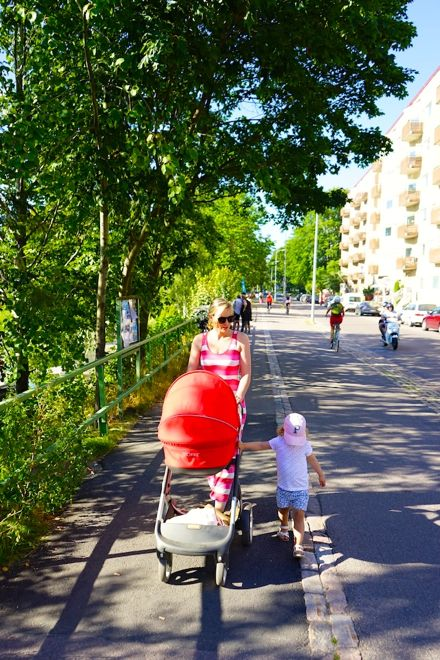 The gorgeous Aleasha Kimber of @LittleTravellerThings walking the streets of Helsinki with her kids. Don't miss our chat with her about why she loves the Finnish capital on our website http://www.suitcasesandstrollers.com/interviews/view/finland-with-kids-helsinki-insider?l=all #GoogleUs #suitcasesandstrollers #travel #travelwithkids #familytravel #familytraveltips #traveltips #Finland #helsinki #thisishelsinki #morningwalk #outforastroll #summertime #sundappled #goingforawalk
