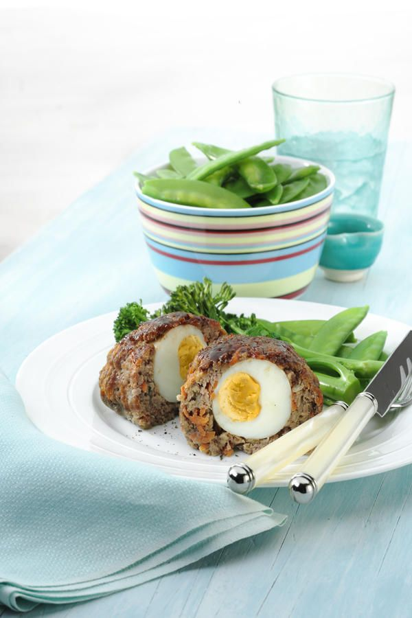 Mini Meatloaf With Hardboiled Egg ♦ grated carrot, eggs, lean mince beef, fresh wholemeal breadcrumbs, grated onion, tomato sauce, 2 tsp fresh thyme leaves, barbecue sauce